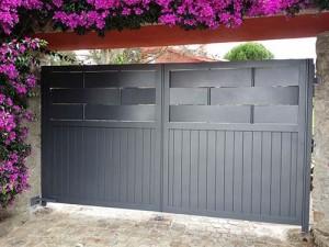 1 puerta_automatica_abatible_aluminio_modelo_fortaleza