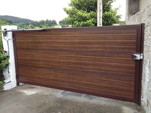 Puertas automaticas abatibles o batientes portagal - Paneles imitacion madera ...