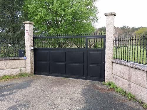 Puertas automaticas correderas portagal for Puertas chalet exterior