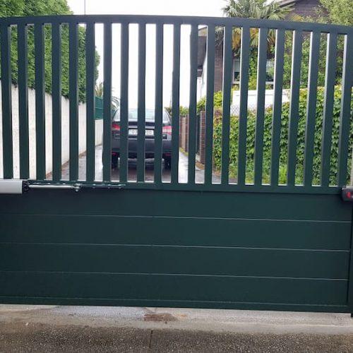 puerta-abatible-aluminio-2