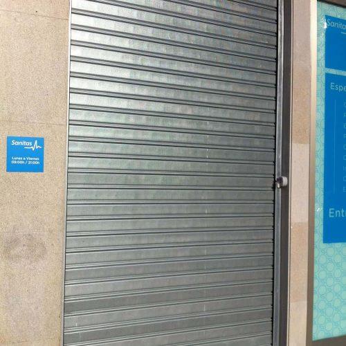 puerta-automatica-enrollable-microperforada