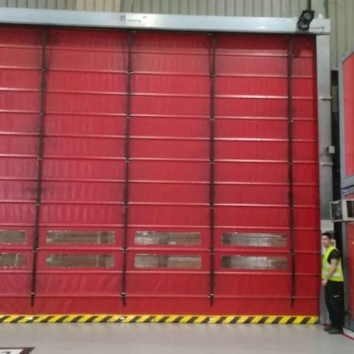 puerta-automatica-lona-apilable-rojo