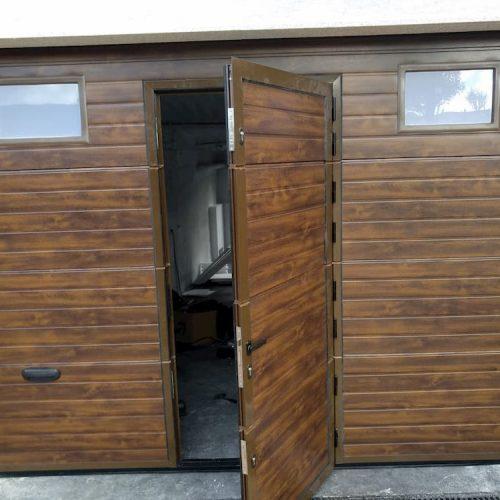 puerta-automatica-seccional-efecto-madera-puerta-y-ventanas