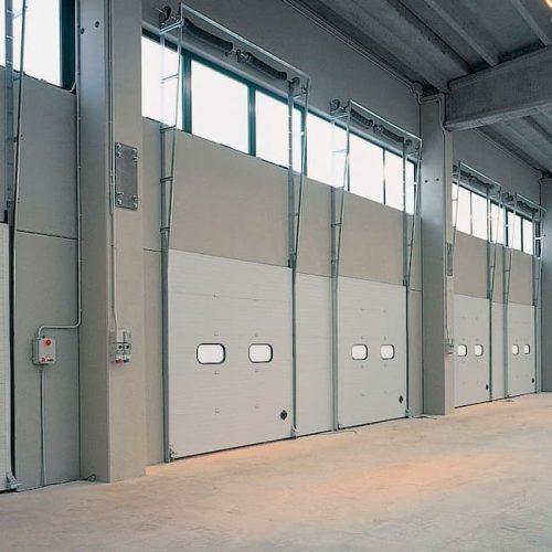 puerta-automatica-seccional-guias-guillotina
