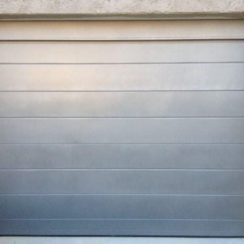 puerta-automatica-seccional-panel-superliso-con-surco-central