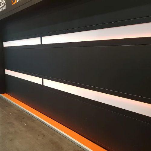 puerta-automatica-seccional-panel-superliso-negro-y-blanco