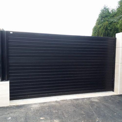 puerta-corredera-acero-galvanizado-negro
