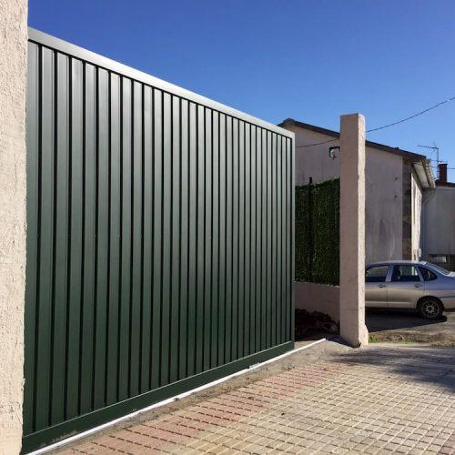 puerta-corredera-acero-galvanizado-verde