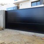 puerta-corredera-panel-sandwich-negra