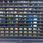 puerta-enrollable-ventana-negra