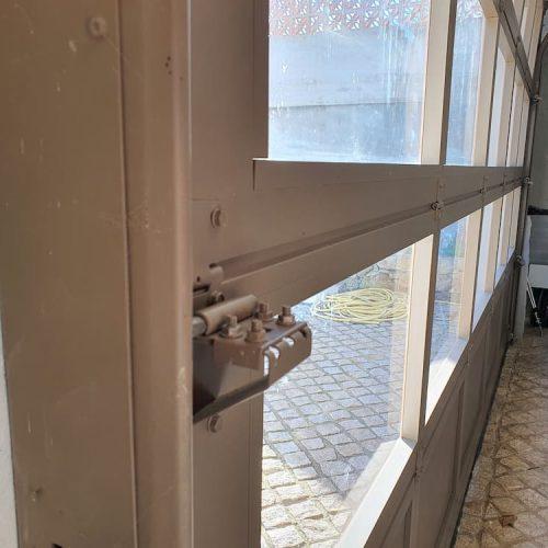 puerta-seccional-cristal-cierre