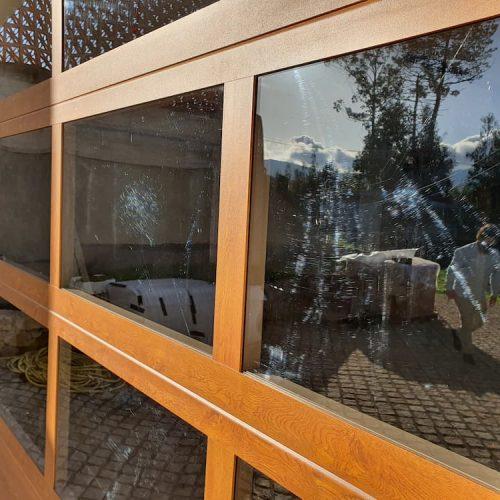 puerta-seccional-cristal-detalle