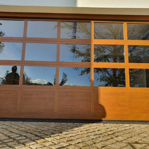 puerta-seccional-cristal-madera