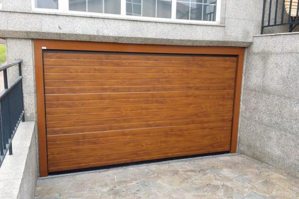 puerta-automatica-seccional-efecto-madera-2