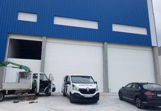 puerta-automatica-seccional-industrial-blanca